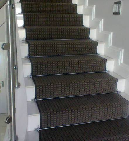 Monn Carpet with Stainless Steel Rods Houghton