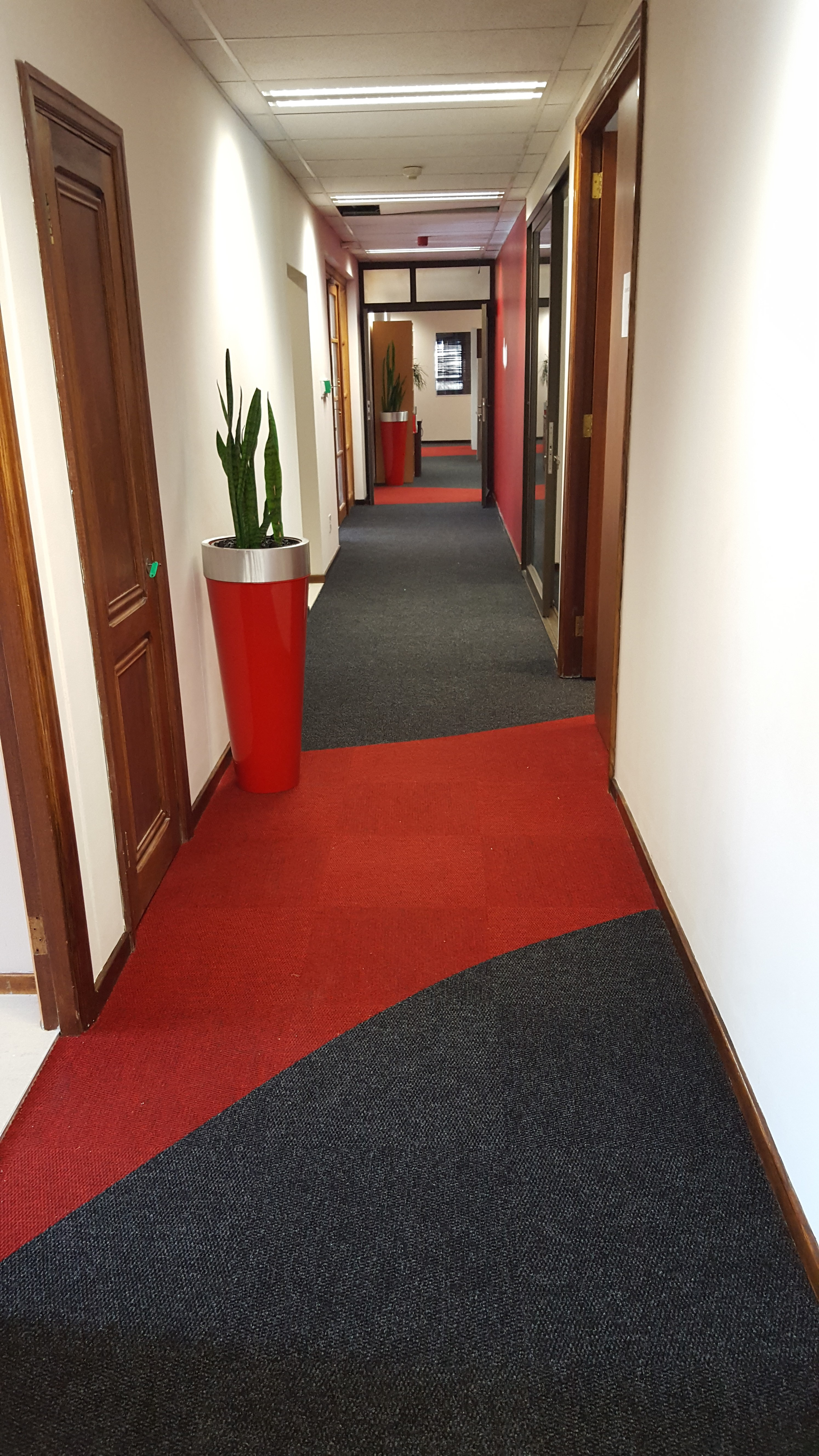 Design in Berberpoint 920 Carpet Tiles