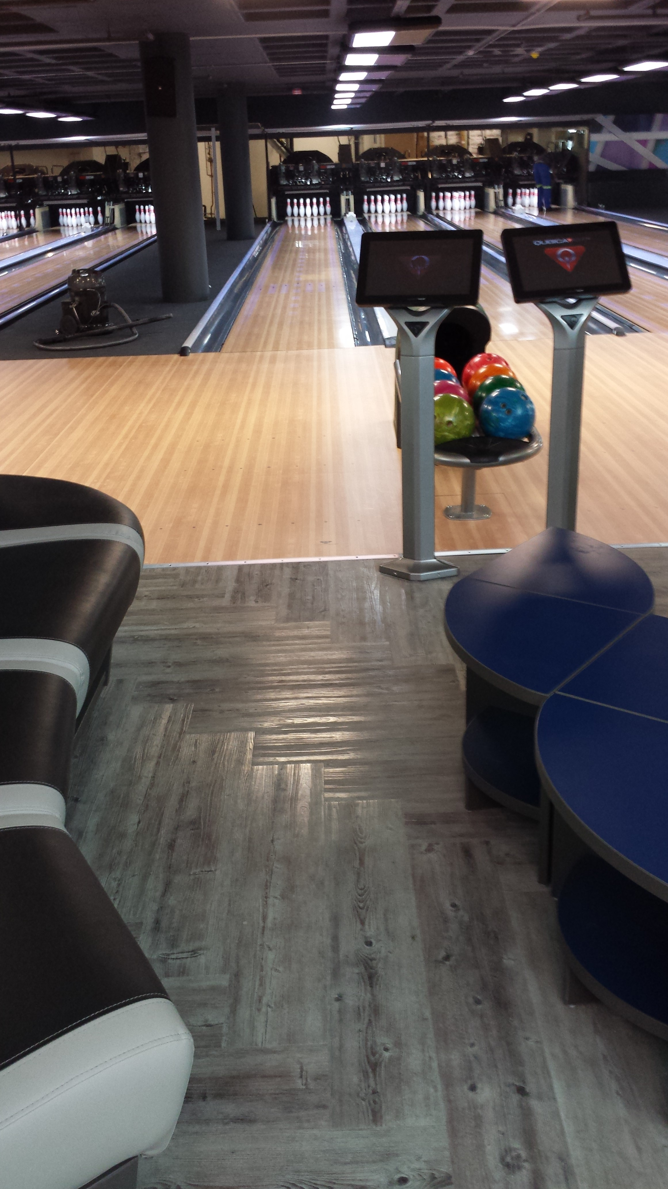 Decoria Vinyl Plank - Bowling Alley